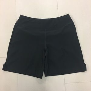 Lucy Vital Collection Black Shorts size Small